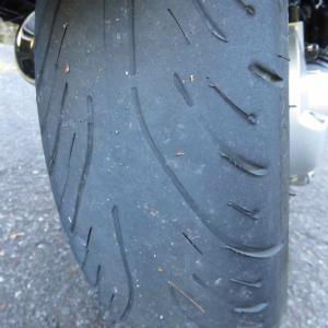 タイヤに溝が無い・・・