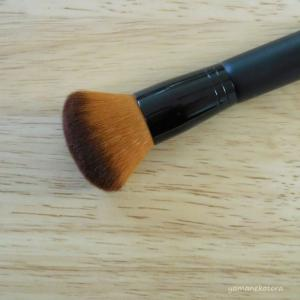 エトヴォス、6年目の化粧筆。