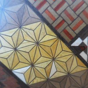 箱根寄木細工、芸術品の日用品。