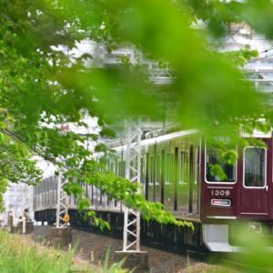 緑色の阪急電車