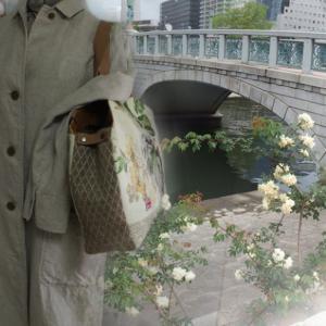 英国を旅するバッグ〜5月のバラ