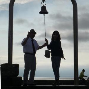 金谷港は恋人の聖地・幸せの鐘を鳴らします・フェリーボートが入ってきた