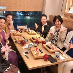 お寿司で女子会❣️