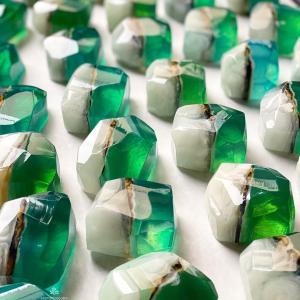エメラルドの宝石石鹸