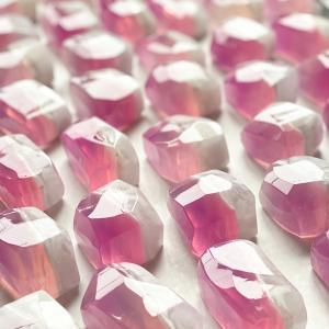 ピンクの宝石石鹸