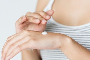 美肌を作るには、皮膚の健康を保つための常在細菌が重要!