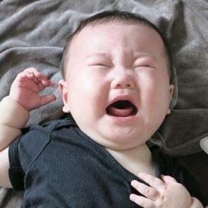 赤ちゃんは朝から機嫌が悪いし、抱っこしてもずっと泣いててストレス溜まります