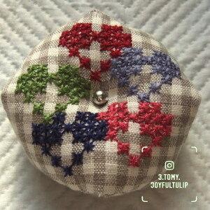 スイス刺繍のビスコーニュ。