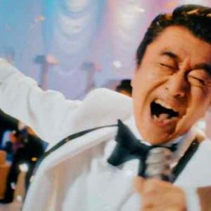 """桑田佳祐 昭和の歌謡番組パロディーで """"桑田ワールド"""" 全開 新曲MV公開"""