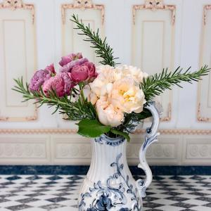 薔薇と西洋の花器:2019年5月13日撮影