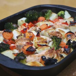 秋鮭のグリル蒸し焼き、魅惑のビーツ