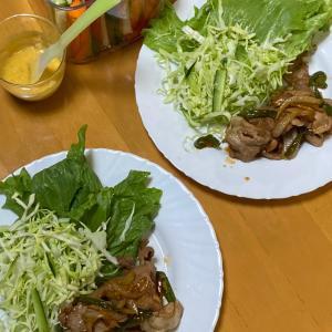 豚生姜焼き、スティックサラダのバーニャカウダ風