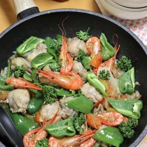 鶏と海老のガーリック炒め煮、ツリフネ黄釣舟