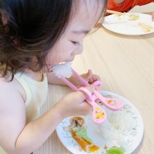 【1歳9ヶ月】トレーニング箸マスター(๑˃̵ᴗ˂̵)