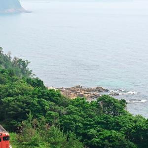 真夏の日本海を望む(山陰本線)