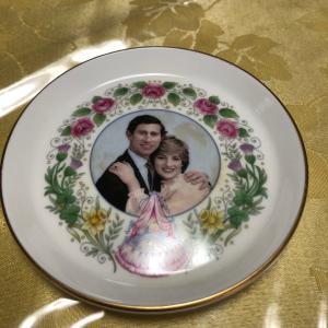 可愛い小皿〜クラウンスタッフォードシャー イギリス
