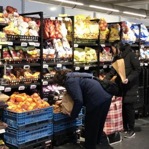ドイツ、べルギーおもちゃ研修54ベルギーのスーパーもパッケージ天国