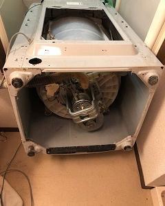 洗濯機が故障しまして、修理と大掃除!!