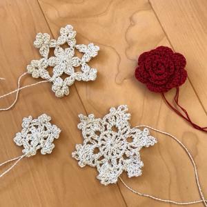 薔薇と 雪の結晶