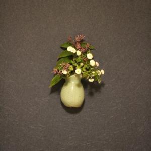 白菊と柿とビン (福井勇『静物(画題不明)』)
