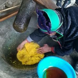 雲南省貴州省の少数民族の糯米食