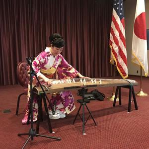 横田基地将校クラブでの退職式にて箏演奏