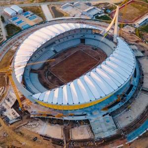 完成に近づく国立スタジアム