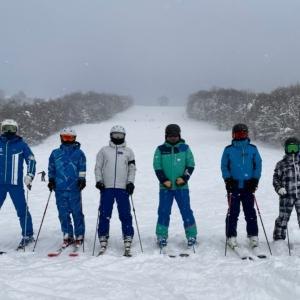 大雪の中ぴっぷスキー場で準指導員実技練習と先生練習