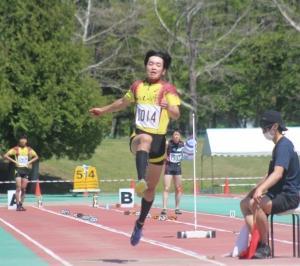 R渡先生の息子かずま北海道高校陸上競技選手権大会三段跳び3位に