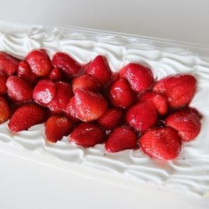 コストコ ◆ ストロベリー スコップケーキ 1,498円也 ◆