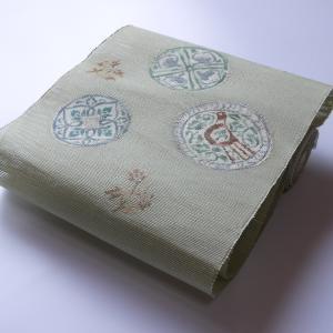 古典の中に在るモダンさをお楽しみ下さい。「西陣織都 手織り櫛織り夏八寸『ペルシャ』」