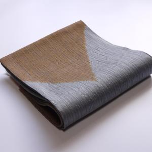 シンプルな幾何学模様の楽しさを。「櫛織り 単衣~夏袋帯」