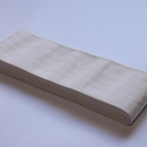 白一色の世界を楽しむ。「博多織西村織物 白上献上 角帯」