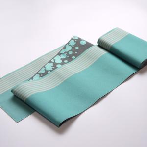 色のコントラストが美しい半巾帯を。「博多織西村織物 半巾帯『スカイブルーと水玉』」