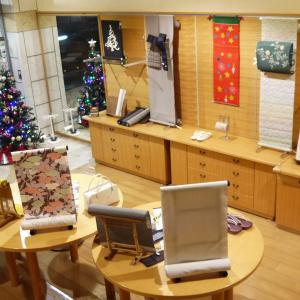 「男のきもの展」→クリスマスカラーの店内へ♪