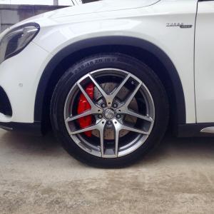 Mercedes-AMG GLA 45 4MATIC ホイールリペア