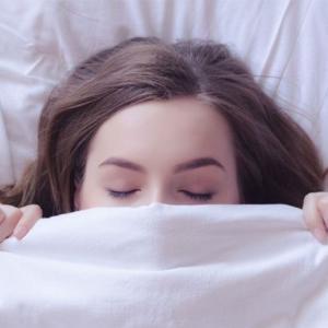 三寒四温、揺らぐ季節だからこそ大切な「質の良い睡眠」