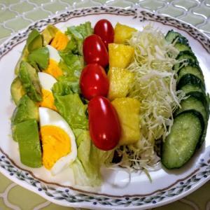 サラダとビーフシチュー