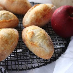林檎酵母で作るミニフランスパン