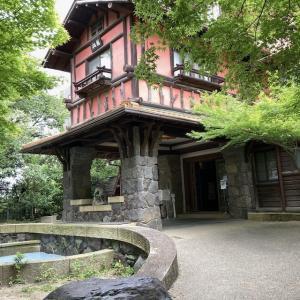 新緑の「揚輝荘」で森林浴