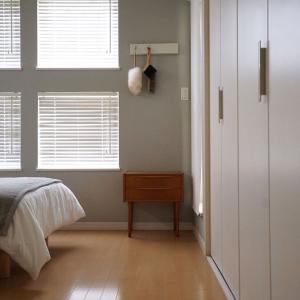ベッドルーム × ヴィンテージチェスト。