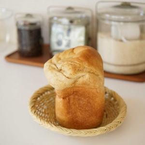 朝焼きパンとポチレポ。