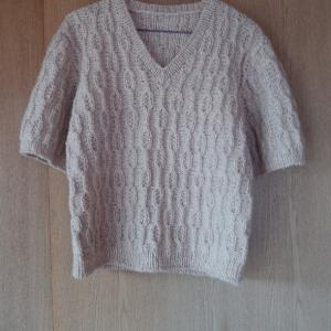 Vネックのセーター