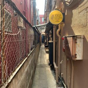 路地裏の昼呑み。大名「Nico Appartement」