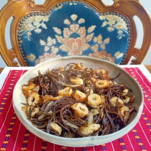 ひじきと竹輪の煮物