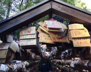 縁結びの神様!氷川神社の絵馬トンネル(川越市)
