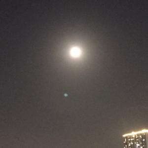 ジョホールバルも中秋の名月で満月