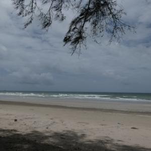 雨季のラヨーンの海 - メーラムプーンビーチとセンチャンビーチ
