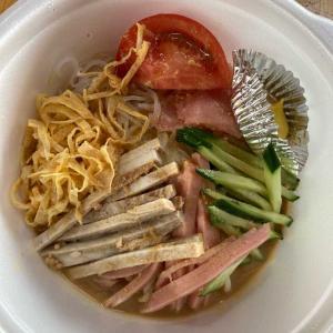 今日のランチ 食楽厨房はせがわの冷やし中華テイクアウト!