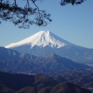 百蔵山〜扇山 富士山を楽しむ縦走。